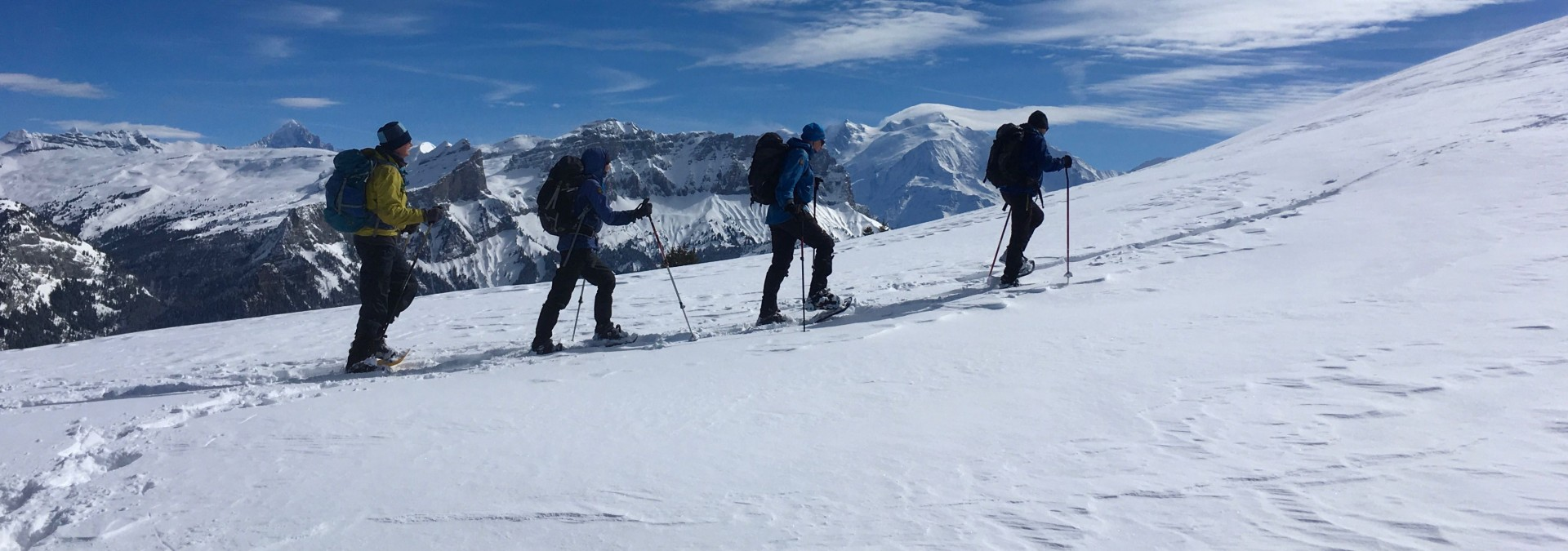 Snowshoe Summits in Samoêns